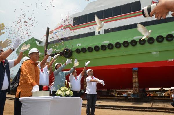 pelepasan aluminium crew boat pan marine